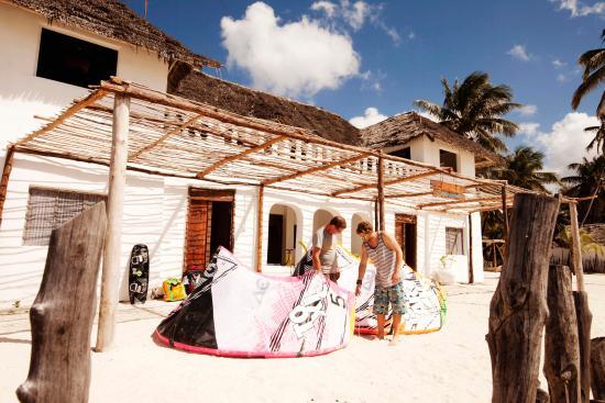 Uhuru Kite Zanzibar: getlstd_property_photo