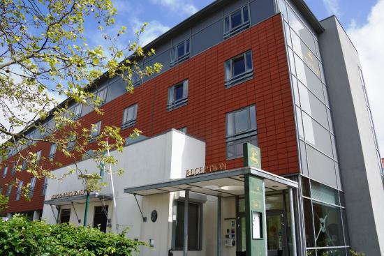 Herløv Kro Hotel: Hotel entrance - modern face