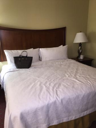 Homewood Suites by Hilton Champaign-Urbana: Comfortable Bed