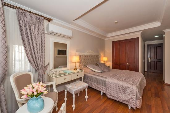 Daphne Hotel: Single Room