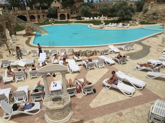 Il fascino della piscina picture of tenute al bano - Piscina san marco ...