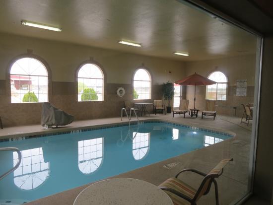 BEST WESTERN PLUS Winslow Inn: There is an inside pool.