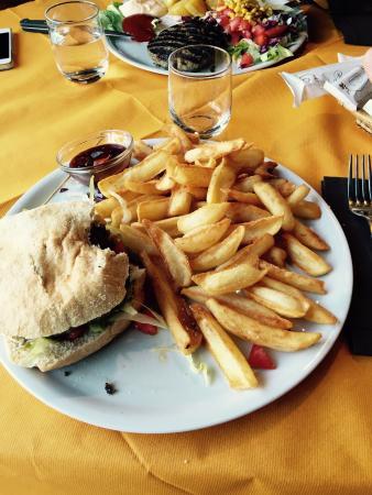 King Hamburger Foto Di Ristorante Terrazza Casa Rossa