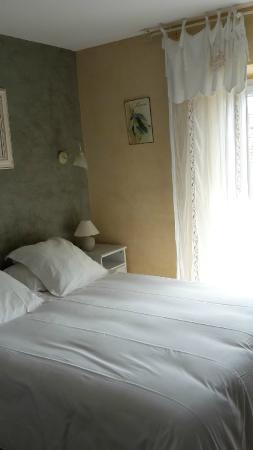 Le Crillon Hotel: Chambre