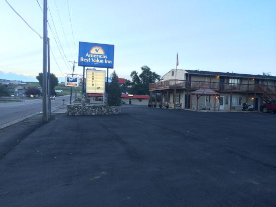 Americas Best Value Inn Sheridan: Street View