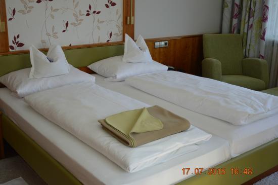 Flair Hotel Adlerbad: vue intérieure de la chambre 43.....