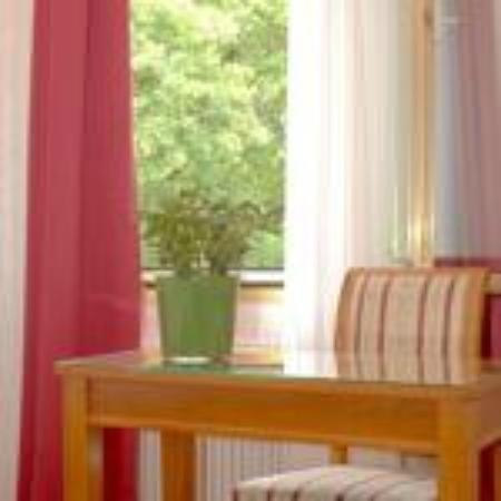 An der Wien: single room