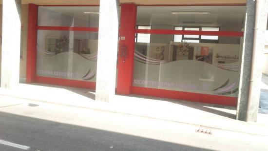 Urgnano, Italia: centro estetico e ricostruzione unghie