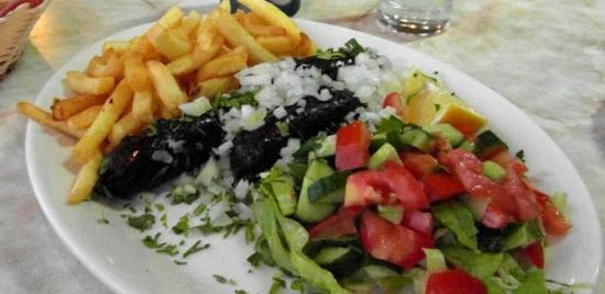 Efi Hotel Apts.: наш ужин в соседнем кафе