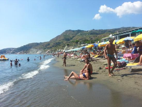 Lido bagno ida presso la spiaggia dei maronti picture of - Bagno italia ischia ...