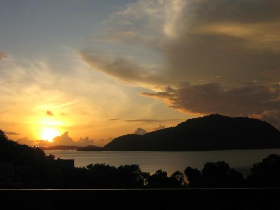 Thai Boutique Resort: Sunrise view from my blacony in the morning.