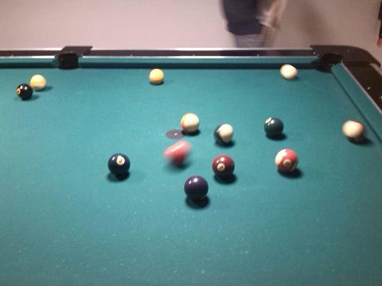 Hotel Europa: sala giochi con bigliardo, biglairdino, ping pong.