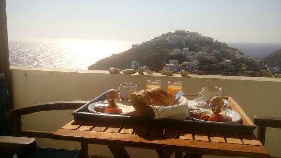 Agnanti : Πρωινό με συγκλονιστική θέα στο Κάστρο και στο Αιγαίο...