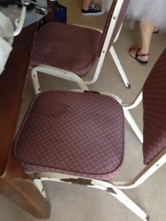 Villa Nova Motel Resort: Chairs in the room