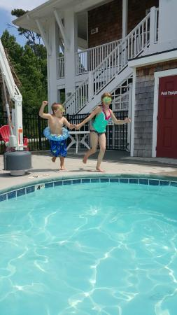 Topsail Shores Inn: Great pool for kids
