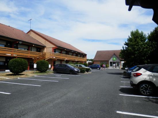 Campanile Chateauroux - Saint-Maur: parking
