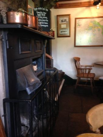 The Ship Inn: Cosy interior.
