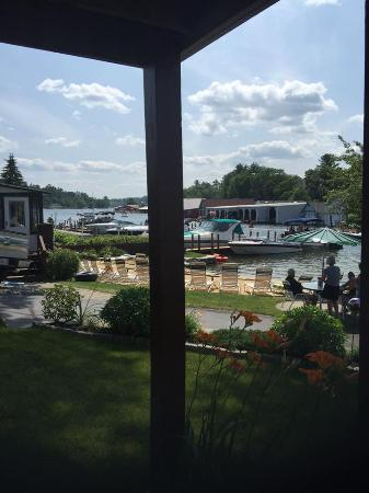 Channel Waterfront Cottages: Our view from our big front porch. SO relaxing!