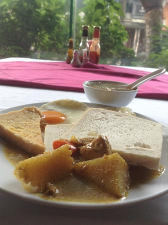 Sakura Grand View Hotel: Breakfast is simple but is enough for a day