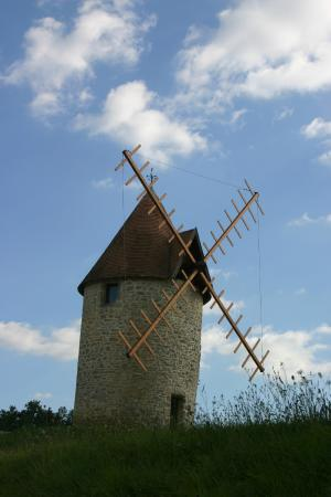 Office de Tourisme Castillon-Pujols : Moulin à vent