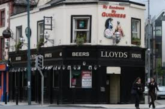 Lloyds Bar & Lounge