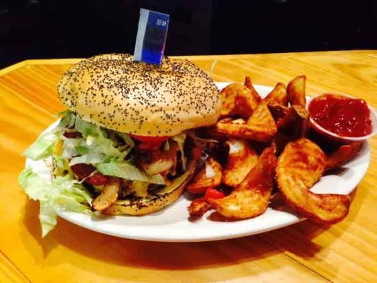 Dog and Pony Grill: The best burger in Boerne