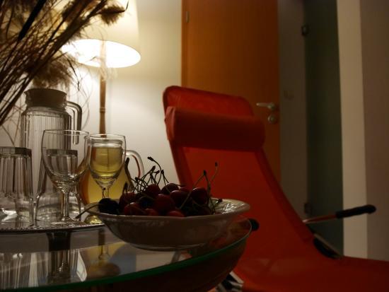 Turizem Loka: spa de l'hotel, cerises du jardin