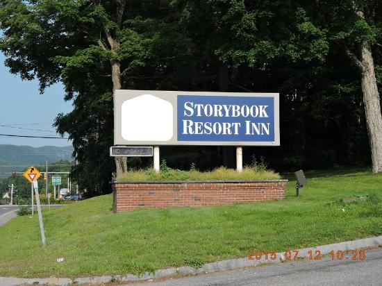 Storybook Inn & Suites: entrada
