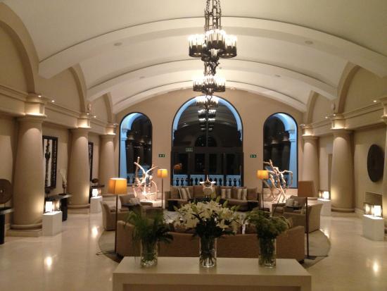 Hotel Príncipe Felipe 5*- La Manga Club: Reception Seating area