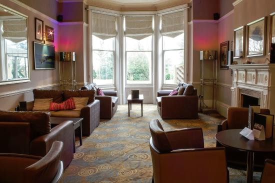 Mercure Hull Grange Park Hotel: Lounge