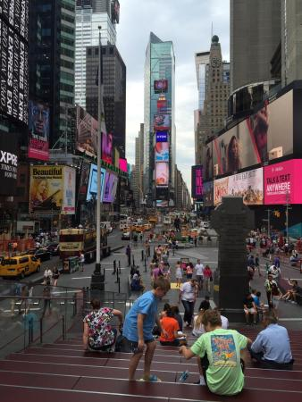 the top 10 things to do near times square new york city