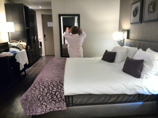 Hotel Thermen Bussloo : Het royale king-size bed!