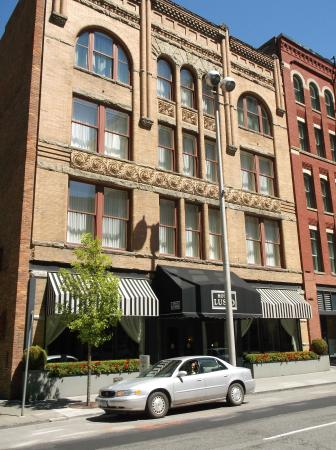 The Davenport Lusso, Autograph Collection: Beautiful old building....The Davenport Lusso!