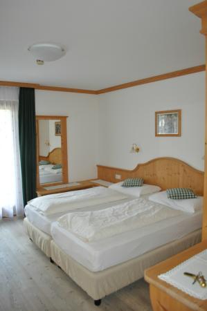 Piccolo Hotel Claudia: lE NOSTRE CAMERE IN STILE TIROLESE