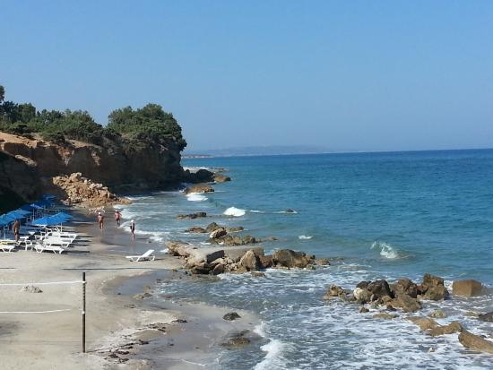 Ammos Resort: Plage de rochers
