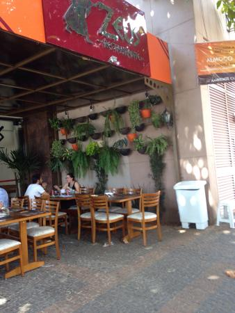 Zeus Restaurante E Bistro