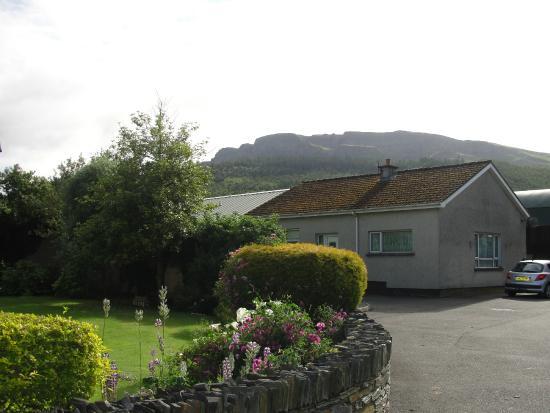 Ballycarton House: Binevenagh Mountain as a backdrop