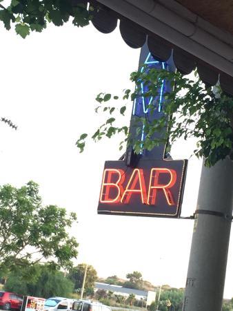Miami Restaurant & Bar: Bra mat. Bra folk. Kjør på her...