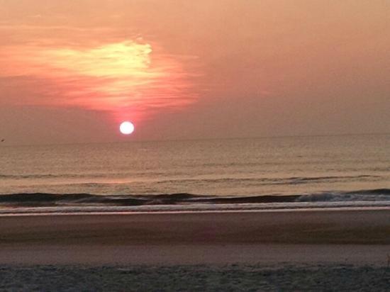 Americas Best Value Inn St. Augustine Beach: Sun rise 6:37 am  July