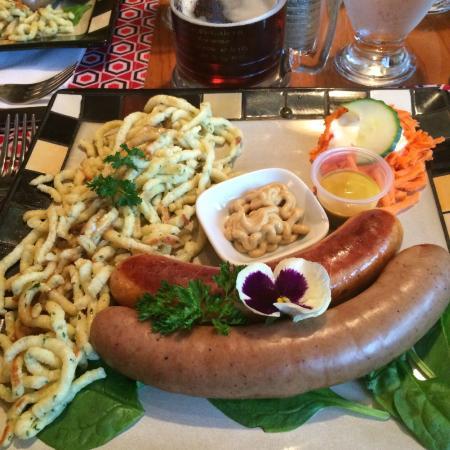 John Gyles Motor Inn & Restaurant : Sausages (knackwurst and debreziener)