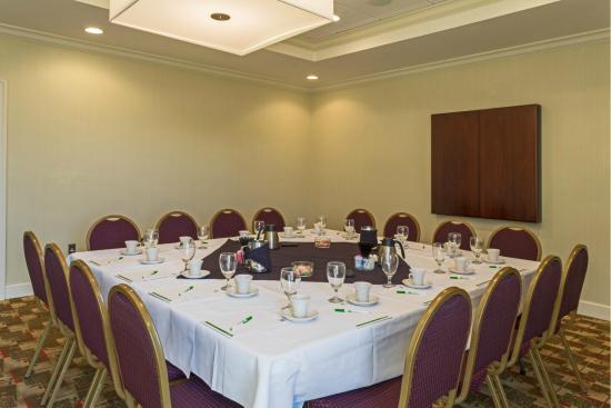 Holiday Inn Statesboro University Area: Host your next business meeting in our conference room