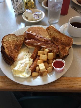 Knights Inn Woodstock: Farmer's Breakfast