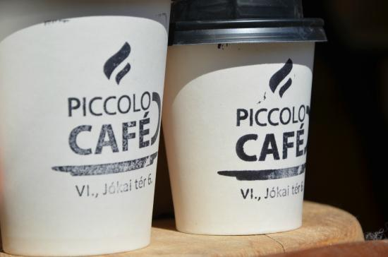 ‪Piccolo Cafe‬