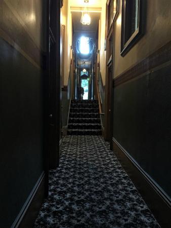 Silver Queen Hotel: Hallway