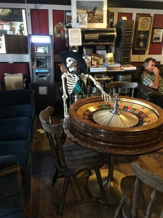 Silver Queen Hotel: Bar