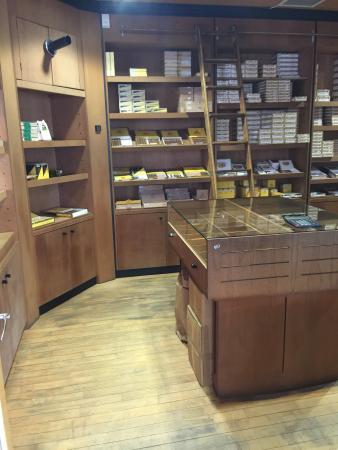 Cigar Emporium: Humidor
