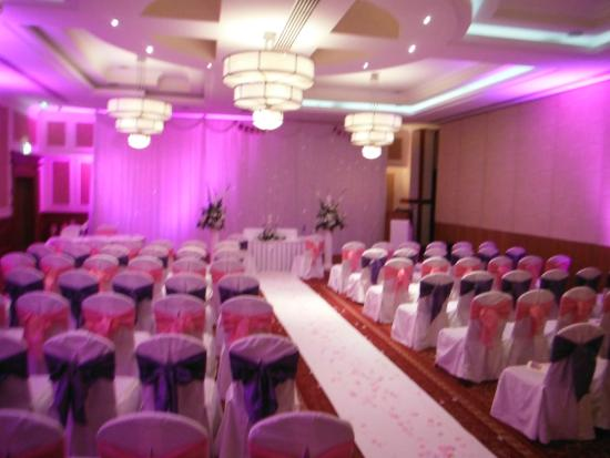 Hamlet Court Hotel: Ceremony Room