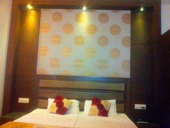 Hotel Namaskar Residency : Bedroom-2