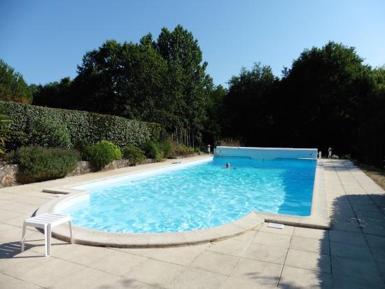 Pool area photo de la maison rose origne tripadvisor for Eugenie les bains la maison rose