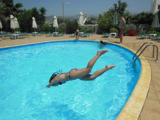 Aqua Fun Water Park: ΒΟΥΤΙΑ ΣΤΗ ΠΙΣΙΝΑ ΝΑ ΔΡΟΣΙΣΤΟΥΜΕ!!!